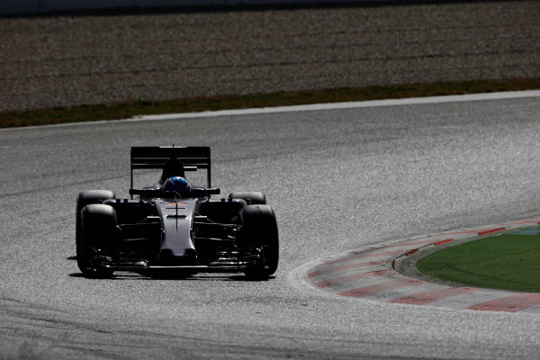 Circuit de Catalunya, Barcelona, Spain Tuesday 23 February 2016. Max Verstappen, Toro Rosso STR11 Ferrari. World Copyright: Sam Bloxham/LAT Photographic ref: Digital Image _L4R7202
