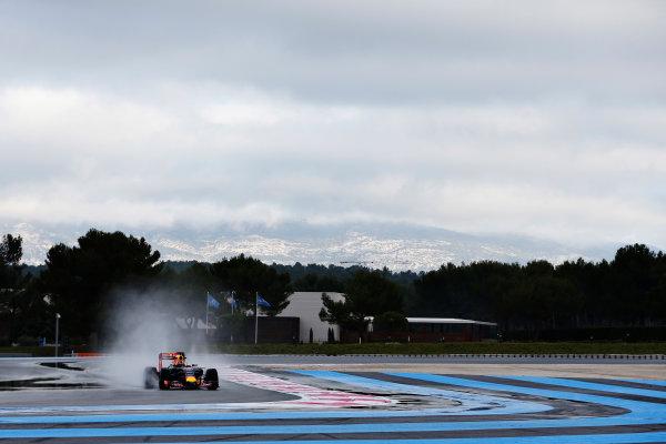 Paul Ricard, France. Tuesday 26 January 2016. Daniil Kvyat, Red Bull Racing RB11 Renault. World Copyright: Steven Tee/LAT Photographic ref: Digital Image _X0W7608