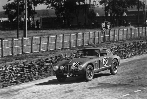 Le Mans, France. 25th - 26th June 1949.J. H. Bartlett/Nigel H. Mann (Healey - Riley), 13th position, action. World Copyright: LAT Photographic.Ref: 49 - 17 - 4.