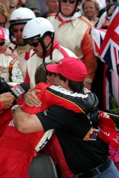 Dan Wheldon hugs Andretti Green Racing Michael Andretti (USA) after winning the Indianapolis 500.IRL IndyCar Series, Rd5, 89th Indianapolis 500, Indianapolis Motor Speedway, Indianapolis, USA. 29 May 2005.DIGITAL IMAGE