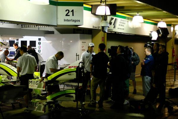 Interlagos, Sao Paulo, Brazil.17th October 2009.Jenson Button, Brawn GP BGP001 Mercedes, is interviewed outside the Brawn GP garage. Portrait. Media. World Copyright: Charles Coates/LAT Photographicref: Digital Image _26Y2480
