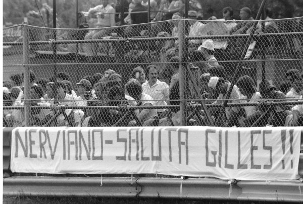 1980 Italian Grand Prix. Imola, Italy. 12-14 September 1980. Inhabitants of Nerviano, a town near Monza, brought this message for Gilles Villeneuve, atmosphere. World Copyright: LAT Photographic Ref: L80/1331/27A