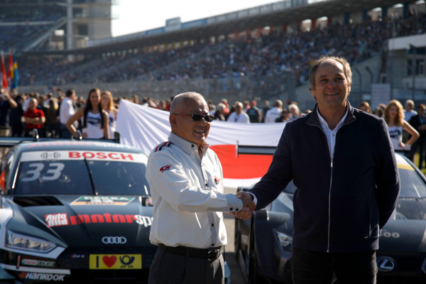 2017 DTM Round 9  Hockenheimring, Germany  Sunday 15 October 2017. Masaki Bando, Chairman GTA and Gerhard Berger, ITR Chairman  World Copyright: Alexander Trienitz/LAT Images ref: Digital Image 2017-DTM-HH2-AT1-0605