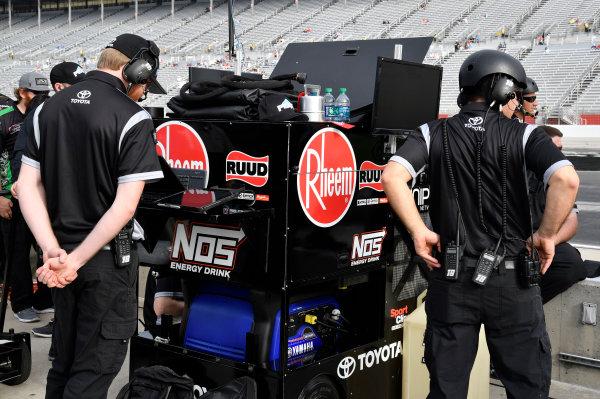 NASCAR Xfinity Series Rinnai 250 Atlanta Motor Speedway, Hampton, GA USA Saturday 24 February 2018 Kyle Benjamin, Joe Gibbs Racing, Peak Antifreeze & Coolant Toyota Camry crew World Copyright: Rusty Jarrett NKP / LAT Images