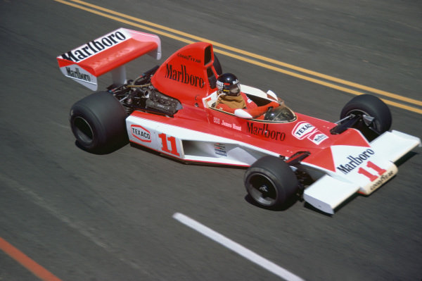 Long Beach, California, USA. 26th - 28th March 1976. James Hunt (McLaren M23-Ford Cosworth), retired, action.  World Copyright: LAT Photographic.  Ref: 76LB34.