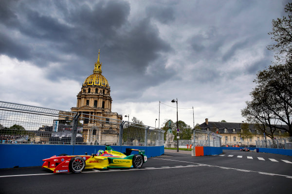 2015/2016 FIA Formula E Championship. Paris ePrix, Paris, France. Saturday 23 April 2016. Lucas Di Grassi (BRA), ABT Audi Sport FE01. Photo: Glenn Dunbar/LAT/Formula E ref: Digital Image _W2Q2104