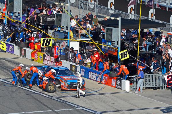 19-20 February, 2016, Daytona Beach, Florida USA Bobby Labonte, NOS Energy Drink Toyota Camry makes a pit stop. ?2016, F. Peirce Williams LAT Photo USA