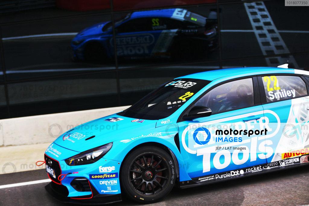 Chris Smiley (GBR) - Excelr8 Motorsport Hyundai i30 Fastback N Performance