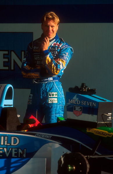 1994 Portuguese Grand Prix.Estoril, Portugal.23-25 September 1994.J J. Lehto (Benetton Ford). He exited the race after spinning out.Ref-94 POR 05.World Copyright - LAT Photographic