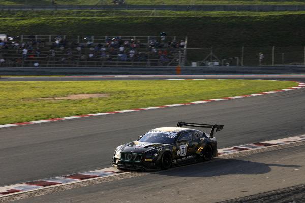 #107 Bentley Team M-Sport Bentley Continental GT3: Jules Gounon, Maxime Soulet, Jordan Pepper.