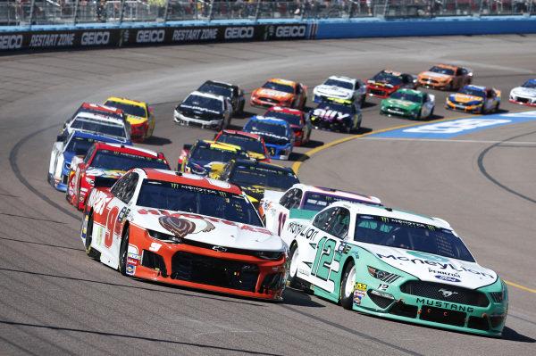 #9: Chase Elliott, Hendrick Motorsports, Chevrolet Camaro Hooters #12: Ryan Blaney, Team Penske, Ford Mustang MoneyLion