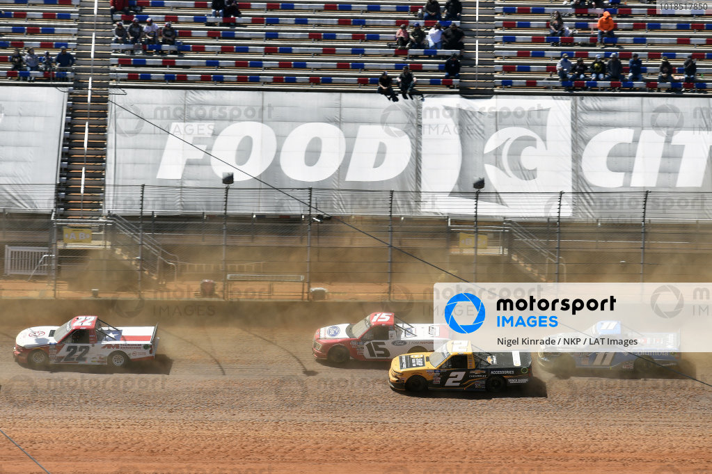 #2: Sheldon Creed, GMS Racing, Chevrolet Silverado Chevy Accessories, #15: Tanner Gray, Team DGR, Ford F-150 Ford PerformancePinty's Truck Race on Dirt