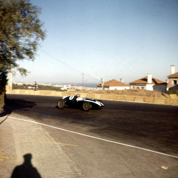 1959 Portuguese Grand Prix.Monsanto, Lisbon, Portugal.21-23 August 1959.Bruce McLaren (Cooper T45 Climax).Ref-3/0114.World Copyright - LAT Photographic