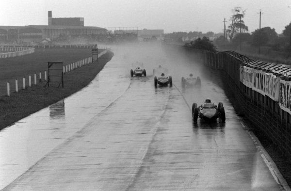 Phil Hill, Ferrari 156 leads Wolfgang von Trips, Ferrari 156 and Richie Ginther, Ferrari 156.