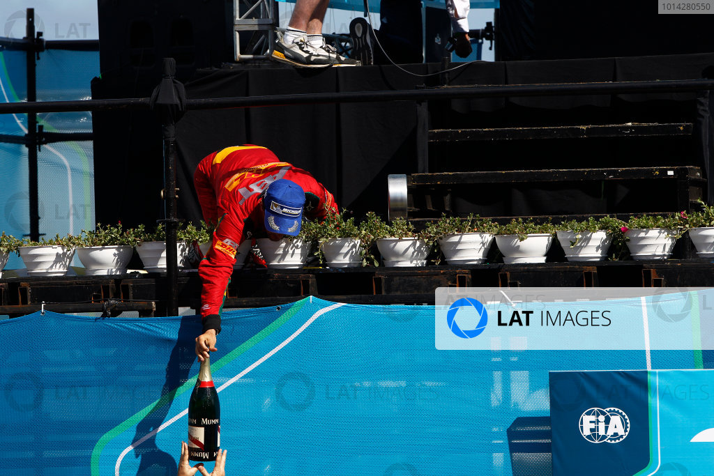 2014 Formula E  Punta Del Este e-Prix, Uruguay Saturday 13 December 2014. Lucas di Grassi (BRA)/Audi Abt Sport - Spark-Renault SRT_01E  Photo: Sam Bloxham/LAT/Formula E ref: Digital Image _G7C6221