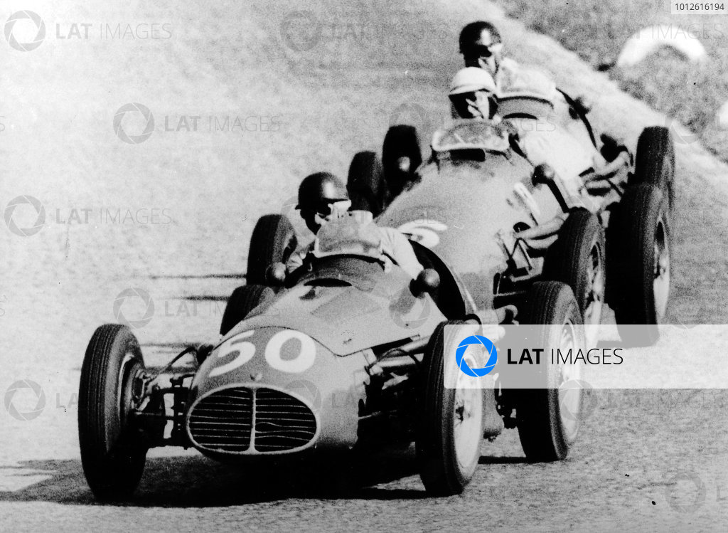 Monza, Italy. 11-13 September 1953.Juan Manuel Fangio (Maserati A6GCM) leads Giuseppe Farina (Ferrari 500) and Onofre Marimon (Maserati A6GCM). Fangio and Farina finished in 1st and 2nd positions respectively. Ref-Autocar S92/05 and S67-1374. World Copyright - LAT Photographic
