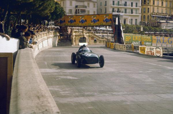 Monte Carlo, Monaco. 16-19 May 1957. Tony Brooks (Vanwall VW7) 2nd position. Ref-57 MON 12. World Copyright - LAT Photographic