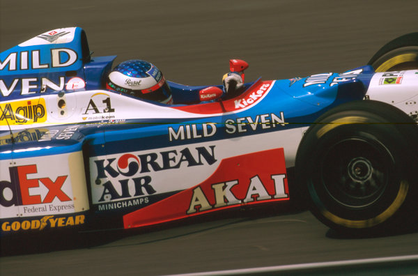 Hungaroring, Hungary.8-10 August 1997.Jean Alesi (Benetton B197 Renault) 11th position.Ref-97 HUN 22.World  Copyright - LAT Photographic
