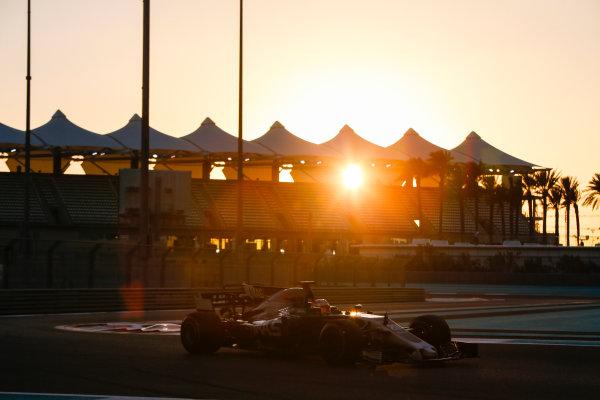 Yas Marina Circuit, Abu Dhabi, United Arab Emirates. Wednesday 29 November 2017. Kevin Magnussen, Haas VF-17 Ferrari.  World Copyright: Joe Portlock/LAT Images  ref: Digital Image _L5R1139