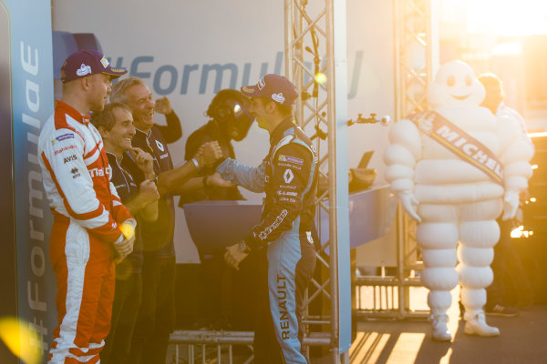 2016/2017 FIA Formula E Championship. Marrakesh ePrix, Circuit International Automobile Moulay El Hassan, Marrakesh, Morocco. Felix Rosenqvist (SWE), Mahindra Racing, Spark-Mahindra, Mahindra M3ELECTRO. & Sebastien Buemi (SUI), Renault e.Dams, Spark-Renault, Renault Z.E 16.  Saturday 12 November 2016. Photo: Sam Bloxham/LAT/Formula E ref: Digital Image _SBB7692