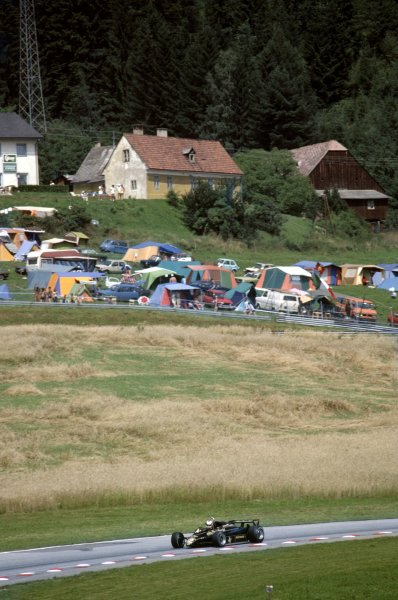 1982 Austrian Grand Prix. Osterreichring, Austria. 15th August 1982. Nigel Mansell (Lotus 91-Ford), retired, action. World Copyright: LAT Photographic.