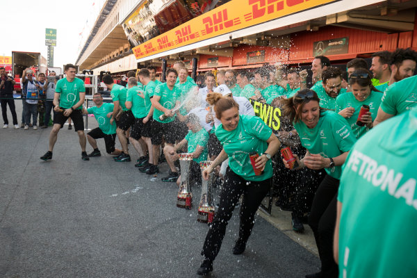Circuit de Catalunya, Barcelona, Spain. Sunday 14 May 2017. Lewis Hamilton, Mercedes AMG, celebrates with his team adfter winning the race. World Copyright: Zak Mauger/LAT Images ref: Digital Image _54I1612