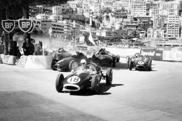 1958 Monaco Grand Prix.Monte Carlo, Monaco. 18 May 1958.Roy Salvadori, #18 Cooper T45-Climax, retired, goes wide at the start. Jean Behra, BRM P25, retired, Tony Brooks, Vanwall VW10, retired, and Jack Brabham, Cooper T45-Climax, 4th position, take more conventional lines, action.World Copyright: LAT PhotographicRef: Autosport b&w print. Published: Autosport, 23/5/1958 front cover