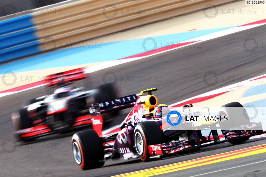 Bahrain International Circuit, Sakhir, Bahrain Sunday 21st April 2013 Mark Webber, Red Bull RB9 Renault, leads Jenson Button, McLaren MP4-28 Mercedes.  World Copyright: Andy Hone/LAT Photographic ref: Digital Image HONY1652