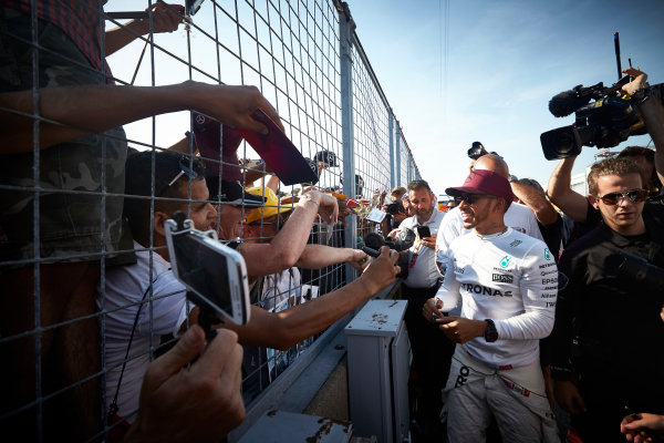 Circuit Gilles Villeneuve, Montreal, Canada. Sunday 11 June 2017. Lewis Hamilton, Mercedes AMG, meets fans and signs autographs. World Copyright: Steve Etherington/LAT Images ref: Digital Imagee SNE10708