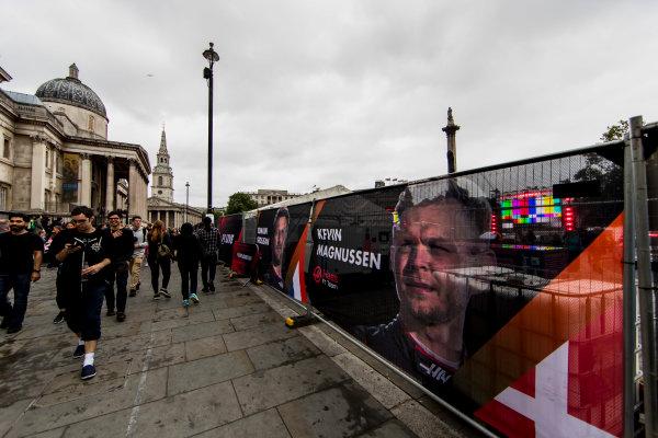 F1 Live London. London, United Kingdom. Tuesday 11 July 2017. Preparations for F1 Live in Trafalgar Square. World Copyright: Zak Mauger/LAT Images ref: Digital Image _56I5300