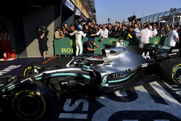 Lewis Hamilton, Mercedes AMG F1 W10, 2nd position, in Parc Ferme