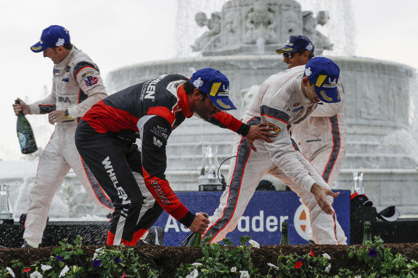 #6 Acura Team Penske Acura DPi, DPi: Juan Pablo Montoya, Dane Cameron, #7 Acura Team Penske Acura DPi, DPi: Helio Castroneves, Ricky Taylor, podium, champagne, #31 Whelen Engineering Racing Cadillac DPi, DPi: Felipe Nasr, Pipo Derani
