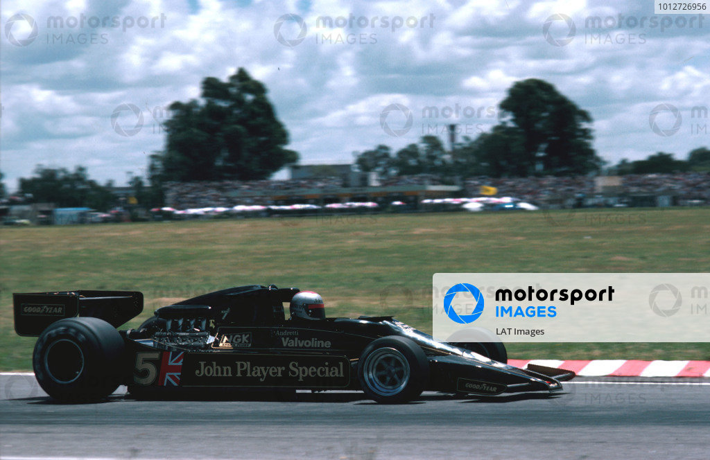 1978 Argentinian Grand Prix.Buenos Aires, Argentina.13-15 January 1978.Mario Andretti (Lotus 78 Ford) 1st position.Ref-78 ARG 04.World Copyright - LAT Photographic