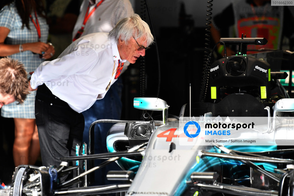 Bernie Ecclestone (GBR) looks at the Mercedes-Benz F1 W08 Hybrid in the garage at Formula One World Championship, Rd3, Bahrain Grand Prix Race, Bahrain International Circuit, Sakhir, Bahrain, Sunday 16 April 2017.