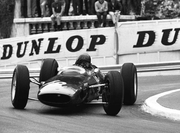1964 Monaco Grand Prix.Monte Carlo, Monaco.7-10 May 1964.Mike Hailwood (Reg Parnell Racing Lotus 25 BRM) 6th position.World Copyright - LAT Photographic