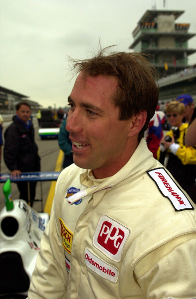 A post-qualifying portrait of Richie Hearn.84th. Indianapolis 500, Indy Racing Northern Light Series, Indianapolis Motor Speedway, Speedway Indiana,USA 28 May,2000 -F Peirce Williams 2000 LAT PHOTOGRAPHIC