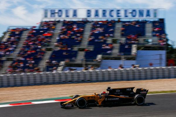 Circuit de Catalunya, Barcelona, Spain. Saturday 13 May 2017. Nico Hulkenberg, Renault R.S.17. World Copyright: Andy Hone/LAT Images ref: Digital Image _ONZ4942