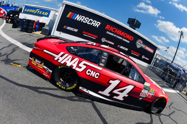 Monster Energy NASCAR Cup Series Toyota Owners 400 Richmond International Raceway, Richmond, VA USA Friday 28 April 2017 Clint Bowyer, Stewart-Haas Racing, Haas Automation Demo Days Ford Fusion World Copyright: Nigel Kinrade LAT Images ref: Digital Image 17RIC1nk00474