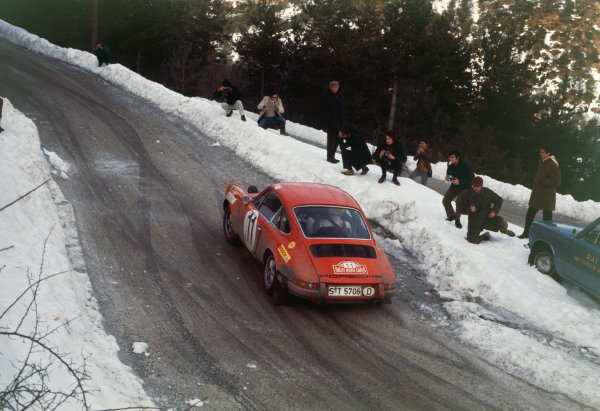Monte Carlo, Monaco. 16th - 24th January 1970.Ake Andersson/Bo Thorszelius (Porsche 911 S), 4th position, action. World Copyright: LAT Photographic.Ref:  70MCRALLY08.
