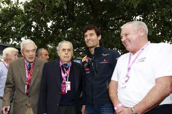 Albert Park, Melbourne, Australia 26th March 2011. Mark Webber, Red Bull Racing RB7 Renault, with former Australian racers Tony Gaze, Sir Jack Brabham and Alan Jones. Portrait. VIPs. World Copyright:Charles Coates/LAT Photographic ref: Digital Image _X5J1332