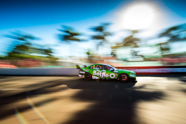2017 Supercars Championship Round 7.  Townsville 400, Reid Park, Townsville, Queensland, Australia. Friday 7th July to Sunday 9th July 2017. Mark Winterbottom drives the #5 The Bottle-O Racing Ford Falcon FGX. World Copyright: Daniel Kalisz/ LAT Images Ref: Digital Image 070717_VASCR7_DKIMG_2016.jpg