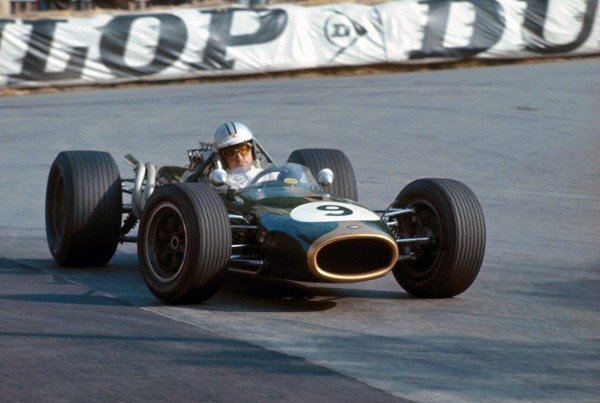 Denny Hulme (NZL) Brabham Repco BT20, scored his first GP victory.  Formula One World Championship, Rd2, Monaco Grand Prix, Monte-Carlo, Monaco. 7 May 1967.  BEST IMAGE