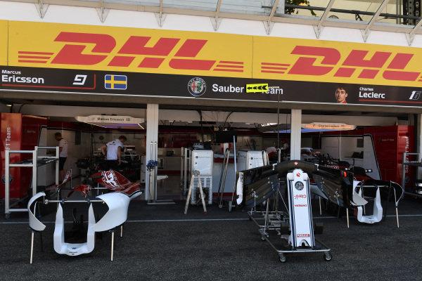 Alfa Romeo Sauber F1 Team garage