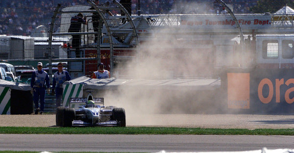 2001 American Grand Prix - RaceIndianapolis, United States. 30th September 2001.Ralf Schumacher, BMW Williams FW23, spins out of the race.World Copyright: Steve Etherington/LAT Photographicref: 9mb Digital Image