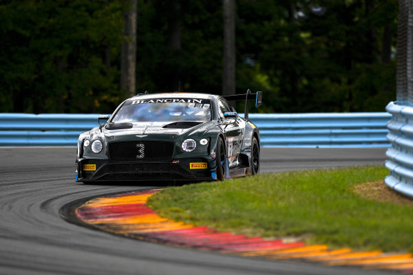 #3 Bentley Continental GT3 of Rodrigo Baptista and Maxime Soulet with K-PAX Racing