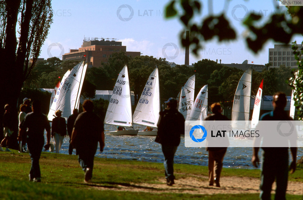 Albert Park, Melbourne, Australia.8-10 March 1996.Albert Park Lake.Ref-96 AUS 35.World Copyright - LAT Photographic