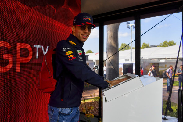 Pierre Gasly, Red Bull Racing hand mould