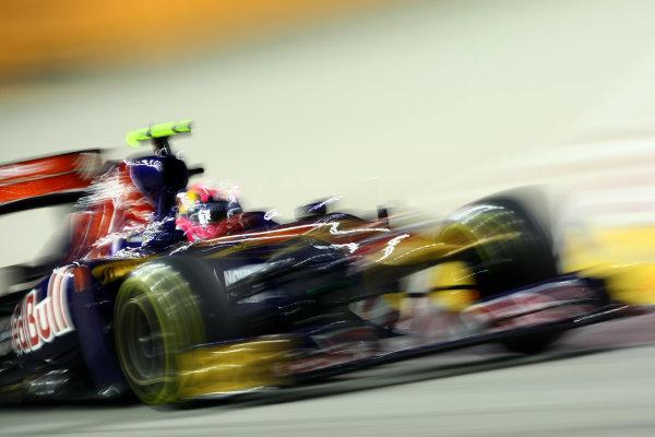 Marina Bay Circuit, Singapore.24th September 2011.Jaime Alguersuari, Toro Rosso STR6 Ferrari. Action. World Copyright: Andy Hone/LAT Photographicref: Digital Image CSP28110