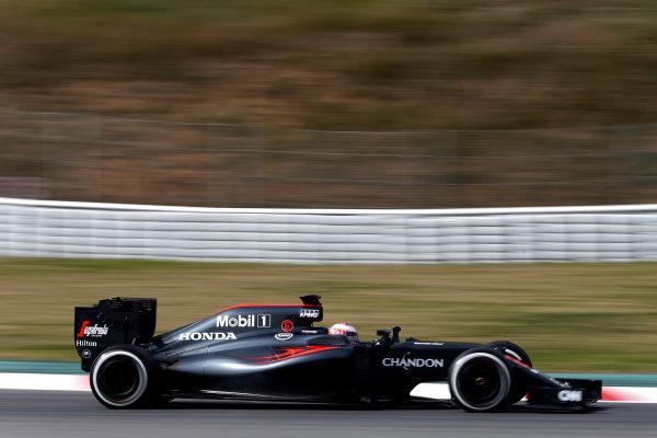 Circuit de Catalunya, Barcelona, Spain Monday 22 February 2016. Jenson Button, McLaren MP4-31 Honda. World Copyright: Glenn Dunbar/LAT Photographic ref: Digital Image _89P4058