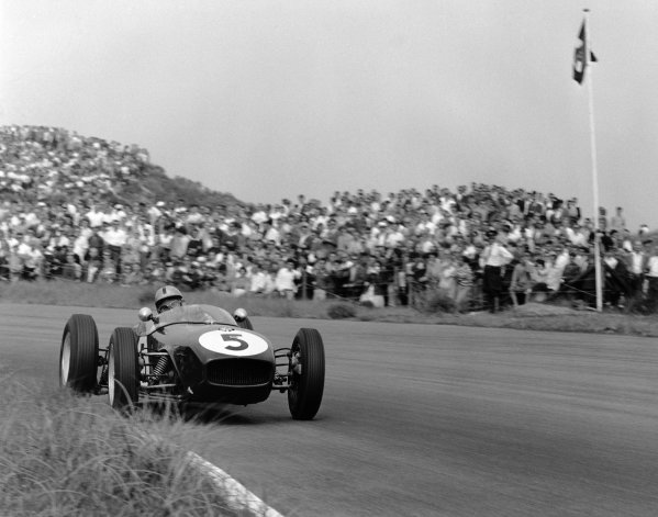 1960 Dutch Grand Prix. Zandvoort, Holland. 6th June 1960. Alan Stacey (Lotus 18-Climax), retired, action.  World Copyright: LAT Photographic. Ref: 6537.